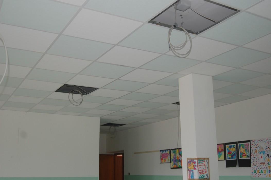 Mensa scolastica della scuola elementare lesegno cn - Abbassare il soffitto ...